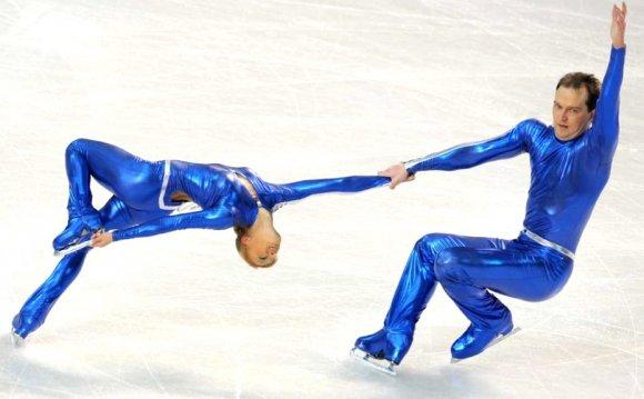 7-blue-men-insane-crazy-weird