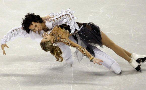 Skating duo